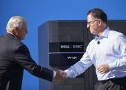 Der scheidende EMC  CEO Joe Tucci und Firmengründer und Dell CEO Michael Dell  sind sich einig.    Bildquelle: EMC