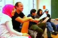 Deutschunterricht an der Volkshochschule - die Sprachhürde zu durchbrechen ist der wichtigste Schritt zur Integration